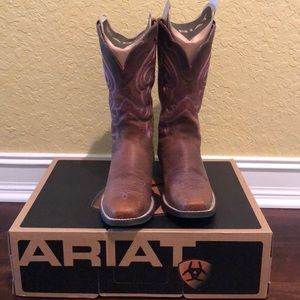 👢 Ariat Women's Brown Boots size 8.5 M